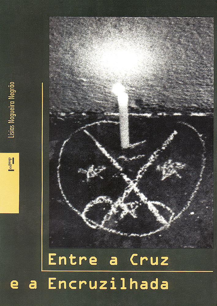 Capa de Entre a Cruz e a Encruzilhada